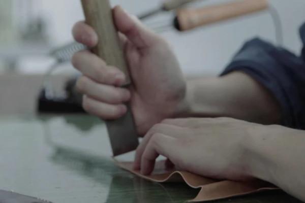 日本の革職人技術を生かした「革財布ブランド」