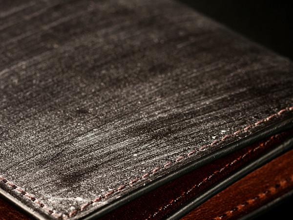 ブライドルレザー仕立ての革財布の特徴